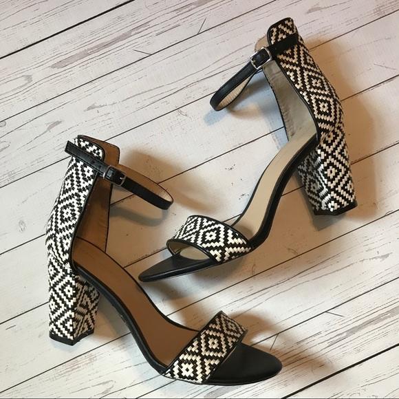 9bb1586dd8 New! Zara black and white patterned block heels